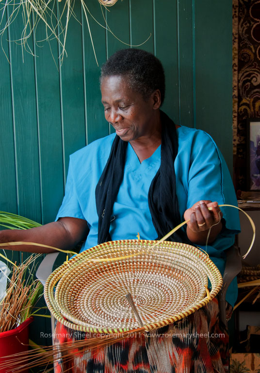 Sweetgrass basket maker in Charleston SC | Travel Photographs By ...